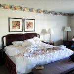 Bishop | Creekside Inn | Bed
